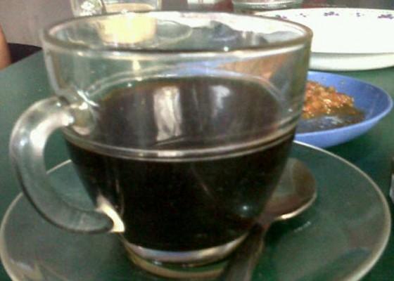 Nusabali.com - minum-kopi-keliling-4-pria-keracunan
