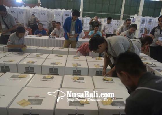 Nusabali.com - pleno-ppk-kpu-dan-bawaslu-denpasar-sempat-tegang