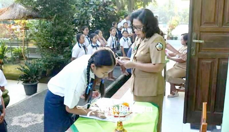 www.nusabali.com-smpn-1-bangli-siapkan-tim-penjemput-siswa
