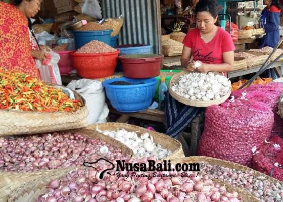 Nusabali.com - pasokan-sedikit-harga-bawang-melonjak