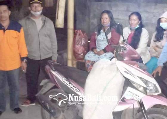 Nusabali.com - krama-badeg-dukuh-kembali-dari-pengungsian