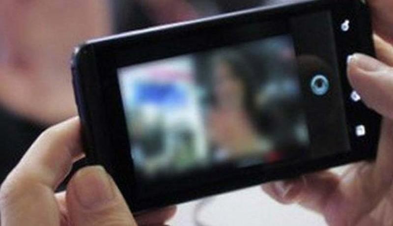www.nusabali.com-video-pelajar-mesum-di-mobil-beredar