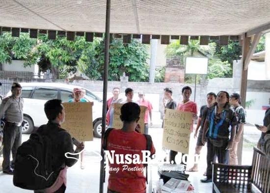 Nusabali.com - bawaslu-buleleng-amankan-uang-sisa-money-politics