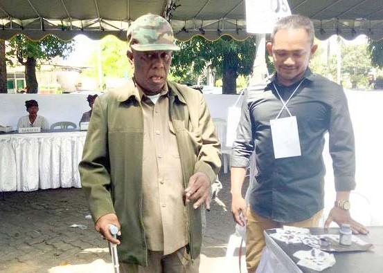 Nusabali.com - kakek-79-tahun-protes-harus-nyoblos-presiden-2-kali