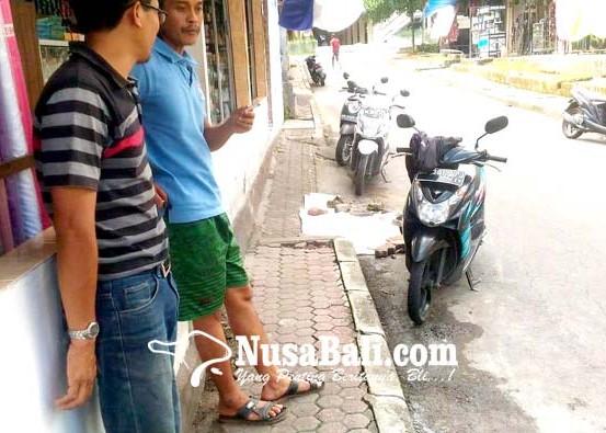 Nusabali.com - bau-busuk-diduga-limbah-bakso