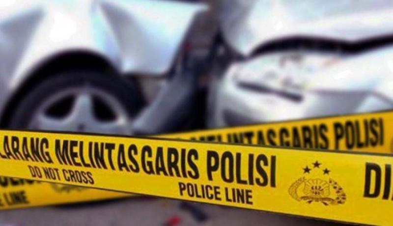 www.nusabali.com-minibus-vs-tronton-4-mahasiswa-dan-sopir-tewas