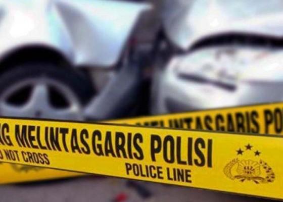Nusabali.com - minibus-vs-tronton-4-mahasiswa-dan-sopir-tewas