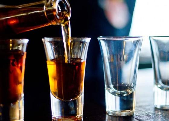 Nusabali.com - kesehatan-minum-alkohol-tingkatkan-risiko-stroke