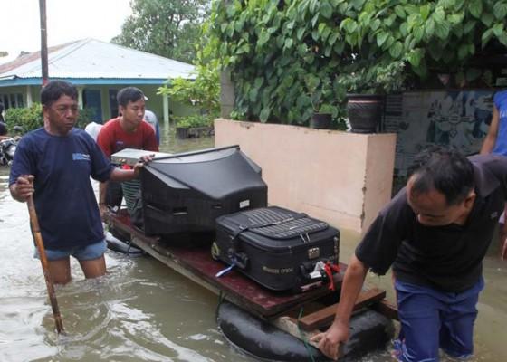 Nusabali.com - banjir-bengkulu-12-ribu-orang-mengungsi