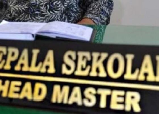 Nusabali.com - delapan-guru-diangkat-jadi-kasek-sd