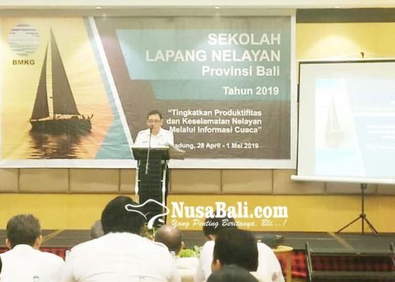 Nusabali.com - tingkatkan-keselamatan-saat-melaut-bbmkg-latih-puluhan-nelayan