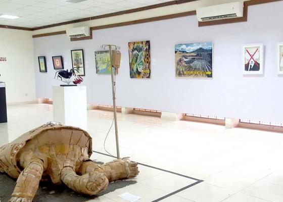 Nusabali.com - undiksha-gaungkan-peduli-lingkungan-lewat-pameran-seni