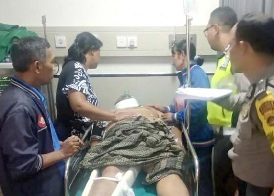 Nusabali.com - lakalantas-kepala-sekolah-smpn-3-bangli-luka-parah
