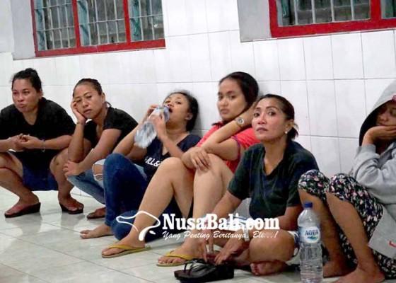 Nusabali.com - 19-napi-wanita-lapas-kerobokan-dikirim-ke-karangasem