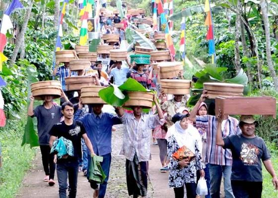 Nusabali.com - tradisi-nyadran-kembangsari