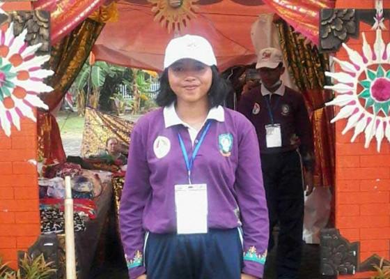 Nusabali.com - tidur-di-tenda-ayu-sawitri-diguyur-hujan-tergenang-air