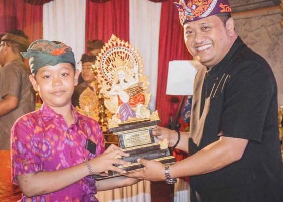 Nusabali.com - juara-i-lomba-mekendang-tunggal-hut-kota-gianyar
