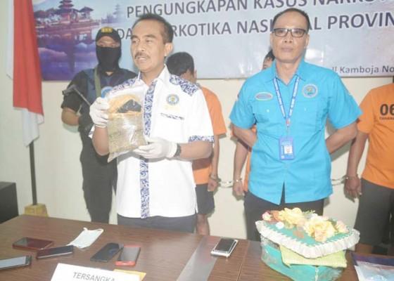 Nusabali.com - bnnp-bali-bekuk-kurir-narkoba-jaringan-jawa-dan-bali