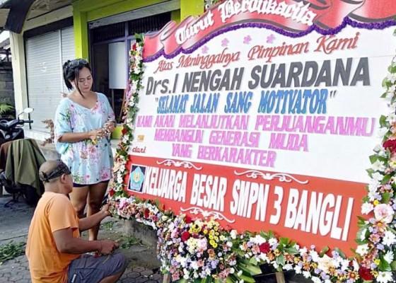 Nusabali.com - karangan-bunga-tbc-paling-laris