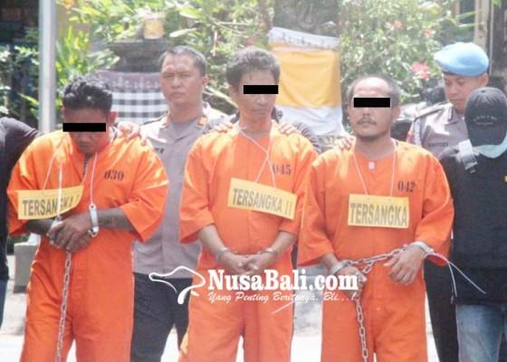Nusabali.com - 2-pengedar-dan-seorang-pemakai-shabu-diringkus