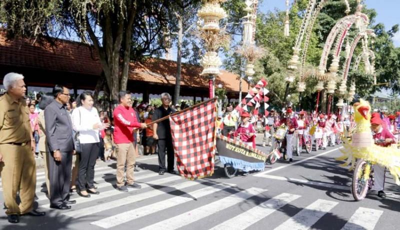 www.nusabali.com-karnaval-sepeda-hias-semarakkan-hut-bangli