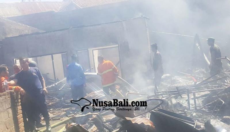 www.nusabali.com-suami-ngojek-istri-ngayah-rumah-hangus-terbakar