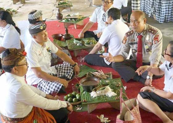 Nusabali.com - pokdarwis-suguhkan-kuliner-magibung