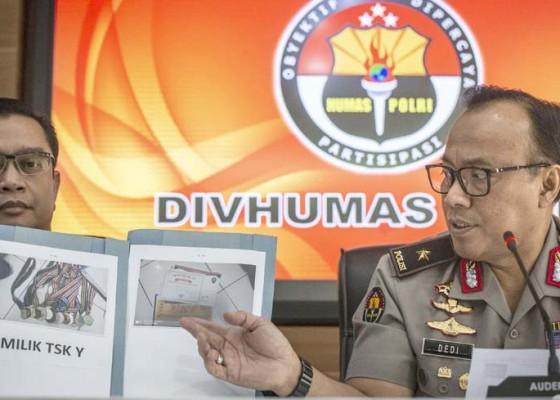 Nusabali.com - bom-pipa-siap-ledak-diamankan-dari-toko-ponsel