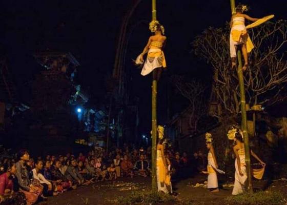 Nusabali.com - penari-sanghyang-dedari-terbang-dalam-keindahan