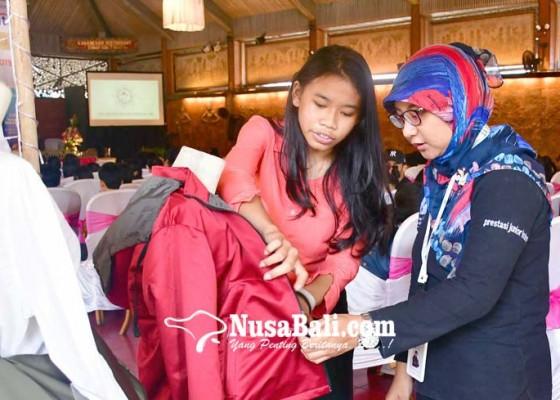 Nusabali.com - siswa-resman-ciptakan-jaket-serbaguna