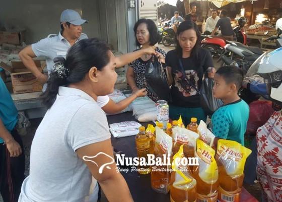 Nusabali.com - kendalikan-inflasi-tpid-gelar-pasar-murah
