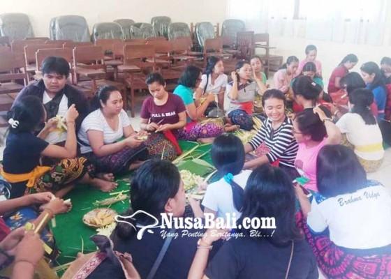Nusabali.com - ukm-upakara-stahn-mpu-kuturan-jual-banten-online