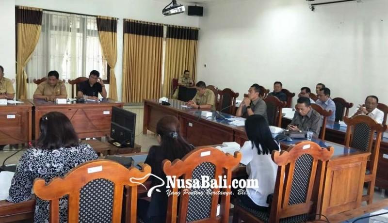 www.nusabali.com-eksekutif-diwakili-kadis-bikin-jengkel-dewan