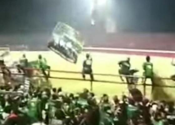 Nusabali.com - dijatah-1500-penonton-bonek-minta-5000-tiket