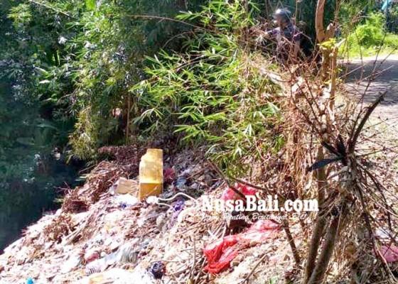 Nusabali.com - terkendala-armada-pengangkut-sampah-tps-di-kekeran-terpaksa-dioperasionalkan