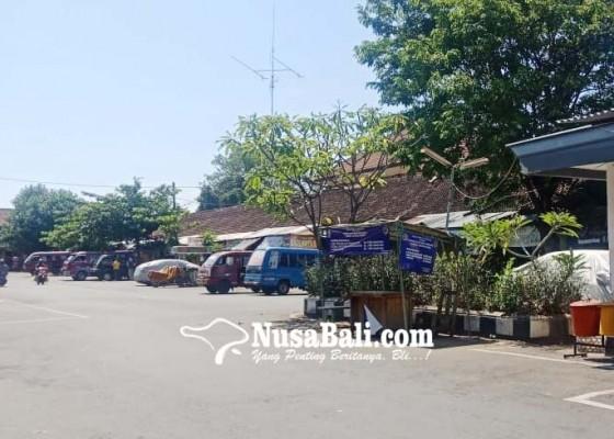 Nusabali.com - pengosongan-areal-terminal-tertunda-pagerwesi