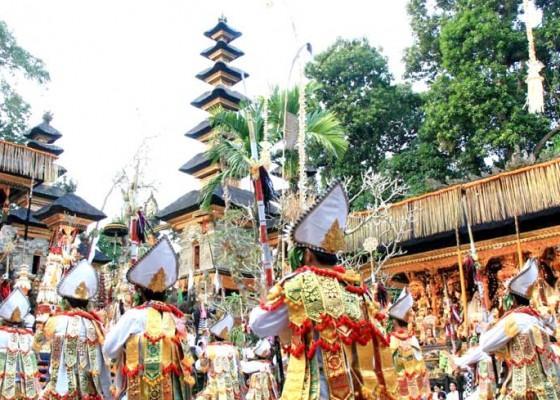 Nusabali.com - ribuan-umat-hadiri-karya-di-gunung-lebah