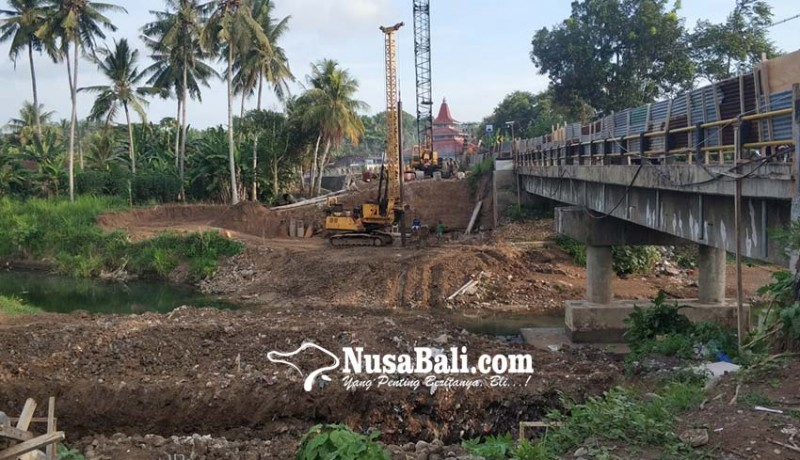 www.nusabali.com-jelang-angkutan-lebaran-bbpjn-tambal-jalan