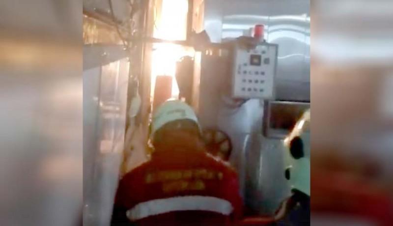 www.nusabali.com-pabrik-roti-di-darmasaba-terbakar-seorang-karyawan-dilarikan-ke-rs