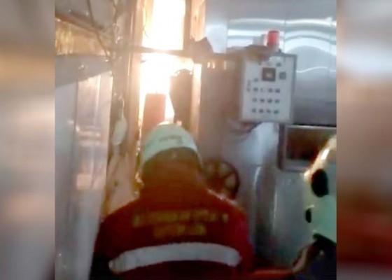 Nusabali.com - pabrik-roti-di-darmasaba-terbakar-seorang-karyawan-dilarikan-ke-rs