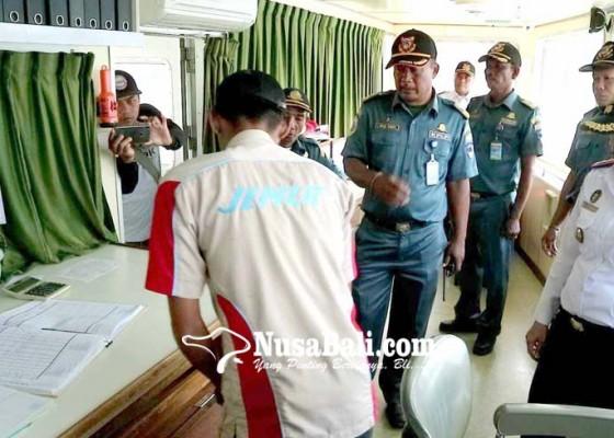 Nusabali.com - ksop-cek-31-kapal-di-padangbai