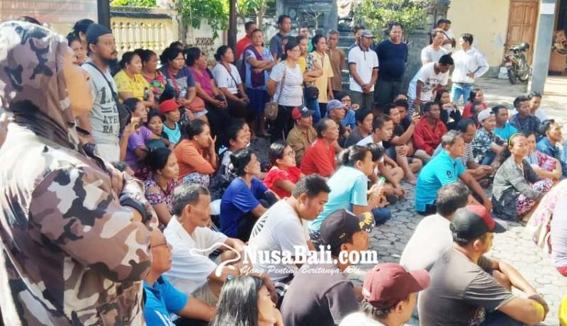 www.nusabali.com-pedagang-pasar-tumpah-protes-ukuran-lapak