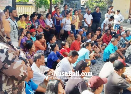 Nusabali.com - pedagang-pasar-tumpah-protes-ukuran-lapak