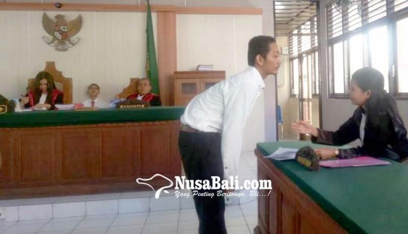 www.nusabali.com-tidak-lulus-pelajar-sma-malah-dituntut-20-bulan-penjara