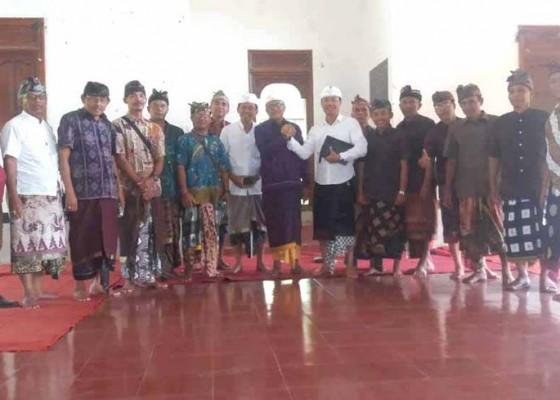 Nusabali.com - bendesa-adat-karangasem-dikukuhkan-sebagai-ketua-madp