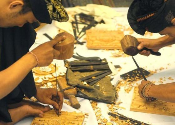 Nusabali.com - ekspor-kerajinan-kayu-meningkat