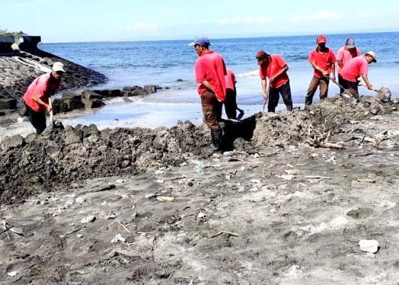 Nusabali.com - dinas-lh-akan-cek-asal-limbah-di-sungai-teluk-limo