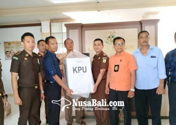 Nusabali.com - berkas-tahap-ii-dilimpahkan-oknum-kpps-tak-ditahan