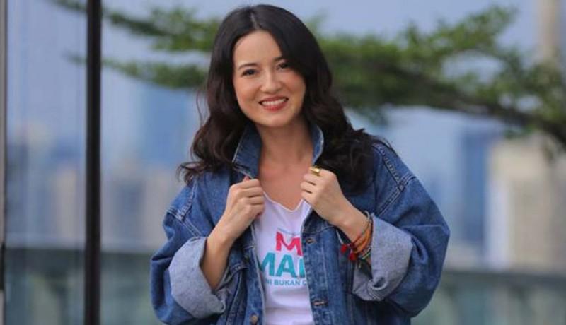 www.nusabali.com-julie-estelle-bakal-dilamar-pembalap