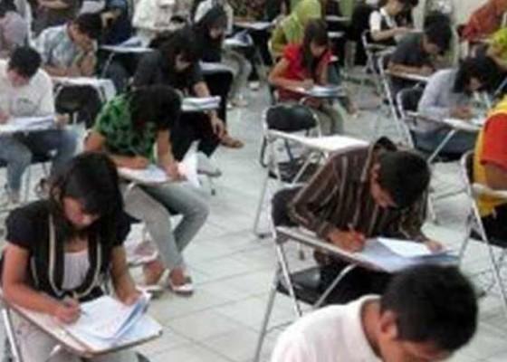 Nusabali.com - mahasiswa-ugm-dan-itb-diamankan